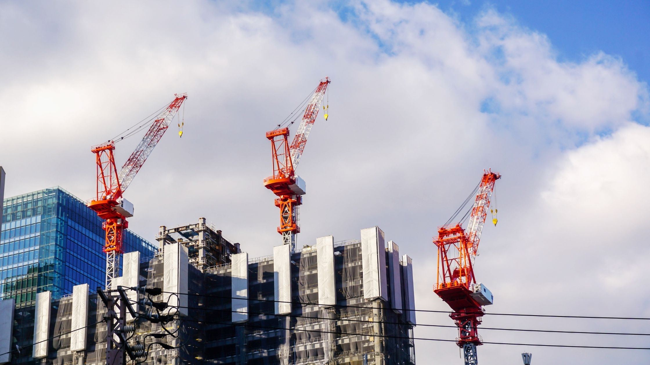 Benefits of innovating of hoist and lifts